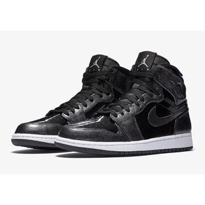 AIR JORDAN 1 RETRO HIGH PATENT LEATHER BLACK GREY